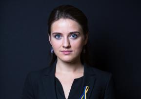 Yulia-headshot